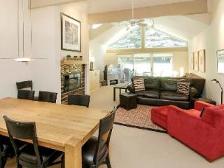 Downtown Luxury Townhouse Clarendon 8 with access to Pool, Hot Tub & Sauna - Aspen vacation rentals