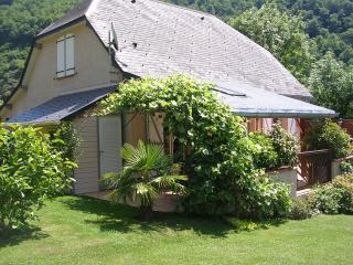 gîte des petits frênes proche luchon - Bagneres-de-Luchon vacation rentals
