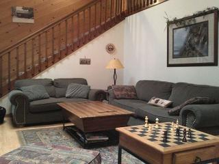 Perfectly located, large Blue Lake Springs cabin on level lot, easy access! - Arnold vacation rentals