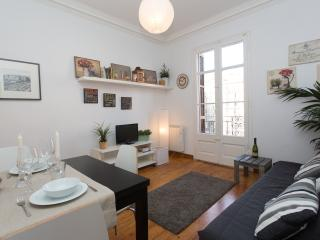 Centric apartment FIRA I - Barcelona vacation rentals