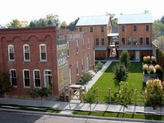 The Livingston House - Livingston vacation rentals