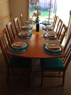 Dining room table ready for your family meal - Kate's Cottage by the Sea, in Santa Cruz, CA - Santa Cruz - rentals