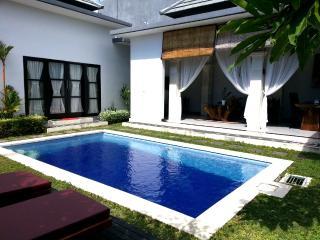 Villa Ayu 2 mertanadi ,5minutes to seminyak - Kerobokan vacation rentals