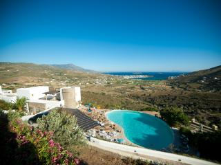 Villa in ANDROS, with breathtaking view and pool - Kato Aprovatou vacation rentals