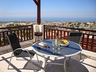 Penthouse Apt Park View Gdns  Peyia Village Cyprus - Peyia vacation rentals