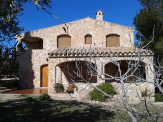 SERRAMOCA-RUSTIC HOUSE - L'Ametlla de Mar vacation rentals