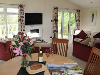 RETREAT LODGE (Hot Tub) Hillside Park, Pooley Bridge, Ullswater - Lake District vacation rentals