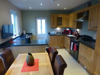 MEADOW CROFT COTTAGE (Hot Tub) Hillside Park, Pooley Bridge, Ullswater - Ullswater vacation rentals