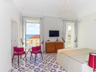 Junior Suite room in Amalfi centre - Amalfi vacation rentals