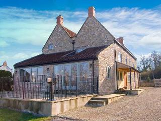 DOUBLE HOUSE FARM, family friendly, luxury holiday cottage, with a garden in Henton, Ref 5857 - Bristol vacation rentals