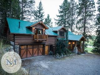 Authentic Montana Decor, Perfect for the Family, close to everything! - Lakeside vacation rentals