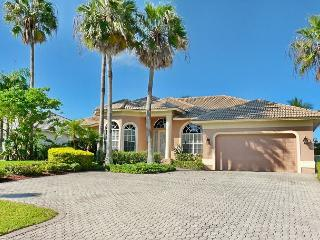 Exquisitely decorated waterfront home with heated pool and hot tub - Marco Island vacation rentals