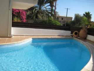 MYHIDEAWAY, 2 bedrooms communal pool, FREE WiFi - Peyia vacation rentals