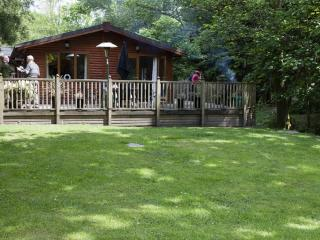 FOOTPRINTS LODGE (Hot Tub) White Cross Bay, Windermere - Bowness & Windermere vacation rentals