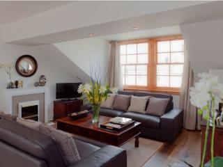 THE PENTHOUSE, The Royal Mile, Edinburgh, Scotland - Edinburgh vacation rentals