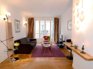 Montmartre 1BR Vacation Apartment Rental in Paris - 1st Arrondissement Louvre vacation rentals