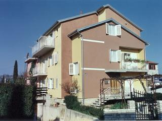 House Knapić***apartment for 5 - Rovinj vacation rentals
