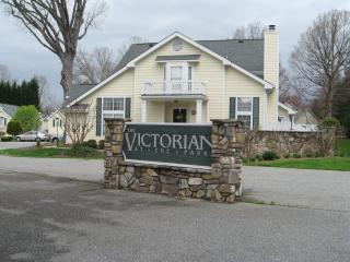 Charlestown Sq furnished incl util 1 month minimum - Greensboro vacation rentals
