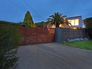 The Front Beach House Blairgowrie - Blairgowrie vacation rentals
