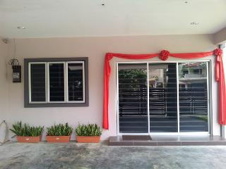 Bercham vacation house AB-9 room - Ipoh vacation rentals