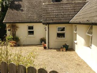 TULIP COTTAGE, detached, all ground floor, woodburner, garden with furniture in Abbeyleix, Ref 906200 - Abbeyleix vacation rentals