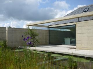 BRYNCYN - MODERNIST INTERIOR WITH HOT TUB - Newcastle Emlyn vacation rentals