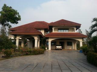 Golf Villa Bangkok - Chachoengsao vacation rentals