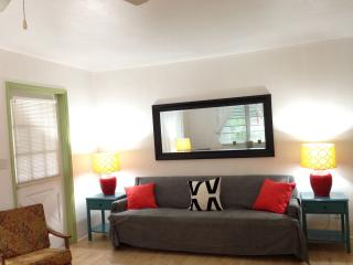 Lovely 1/1 Downtown Hollywood - Hollywood vacation rentals