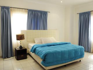 T.N. Holi Flats Exec. Airport Hotel Apts-{2-BRs} - Accra vacation rentals