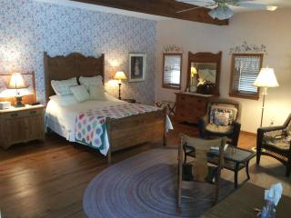 Vintage Barn Ozark Vacation Rental - Springfield vacation rentals