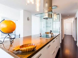 Royal Panoramic Luxury Penthouse with Private Elevator - Toronto vacation rentals