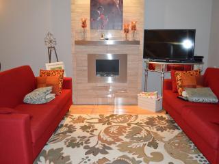 Brownstone Elegance 2 bedroom Townhome - Victoria vacation rentals