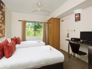 Not a Mi$$print -  Great Value includes FREE WIFI - Cairns District vacation rentals