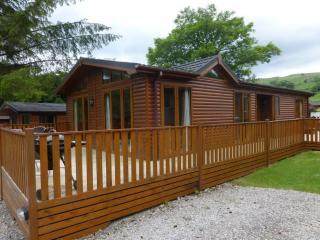 SWALLOWS LODGE, Limefitt Park, Troutbeck, Near Windermere - Troutbeck Bridge vacation rentals