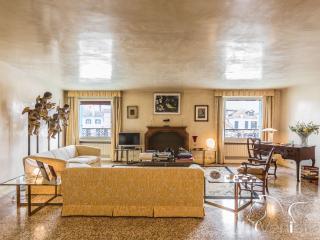 Ca' Nova - Luxury apartment on the Canal Grande - Venice vacation rentals
