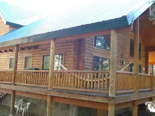Mountain Luxury Sled-In/Sled-Out Log Cabin - 3BR/3BA, Sleeps 16- Free WiFi... - Island Park vacation rentals
