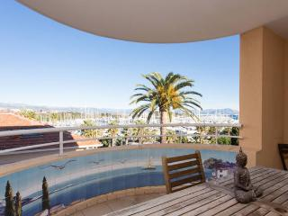 Palais Royale, Excellent Antibes Rental with a Hot Tub and Terrace - Antibes vacation rentals