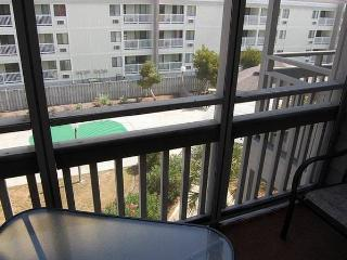 Pelican's Landing 3 Bedroom Vacation Home with a Pool, Myrtle Beach - Myrtle Beach vacation rentals