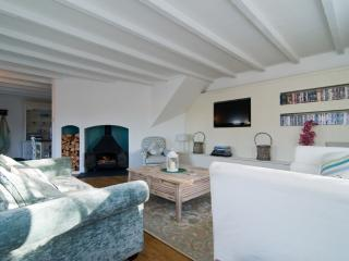 Barn Cottage - Barn Cottage located in St Mawgan, Cornwall - Roche vacation rentals