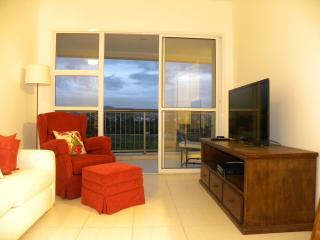 Luxury Condo - Cidade Jardim - Lumiar vacation rentals