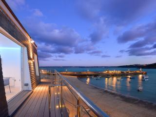 The Penthouse, Harbour House - The Penthouse, Harbour House located in St Ives, Cornwall - Saint Ives vacation rentals