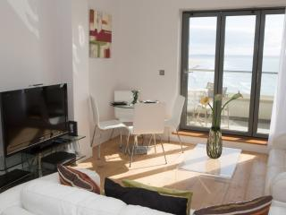 11 Ocean Point Penthouse - 11 Ocean Point Penthouse located in Saunton, Devon - Instow vacation rentals
