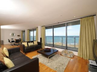 The Penthouse Bay View, Nassau Court - The Penthouse Bay View, Nassau Court located in Westward Ho!, Devon - Woolsery vacation rentals