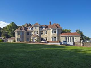 Apartment 9, Shanklin Manor located in Sandown & The South Coast, Isle Of Wight - Shanklin vacation rentals