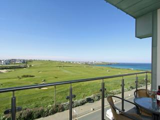Fistral Penthouse, 52 Zinc - Fistral Penthouse, 52 Zinc located in Newquay, Cornwall - Newquay vacation rentals