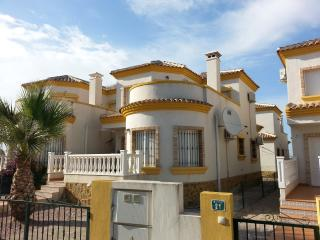 3 bed 2 bath, Detatched Villa, with Free WiFI - Alicante vacation rentals