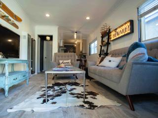 Brand New Vintage Chic 1 Bedroom Apartment! - Los Angeles vacation rentals