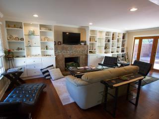 The Milton Manor - Los Angeles vacation rentals