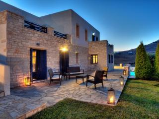 Piso Livadi beautiful 4 bdrm villa w/ private pool - Aliki vacation rentals