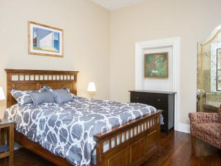 Pittsburgh East End Comfort - Pittsburgh vacation rentals